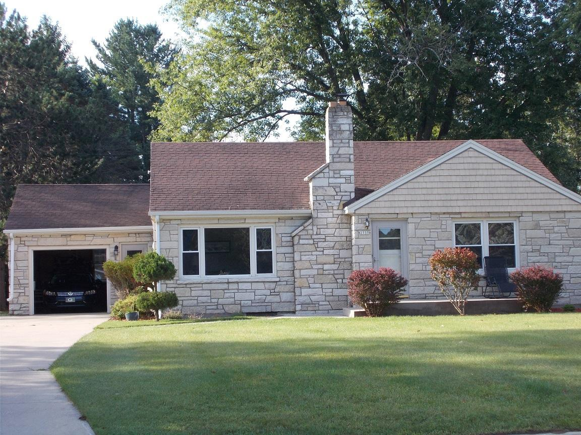 View Single-Family Home For Sale at 2737 14th Ave, MENOMINEE, MI