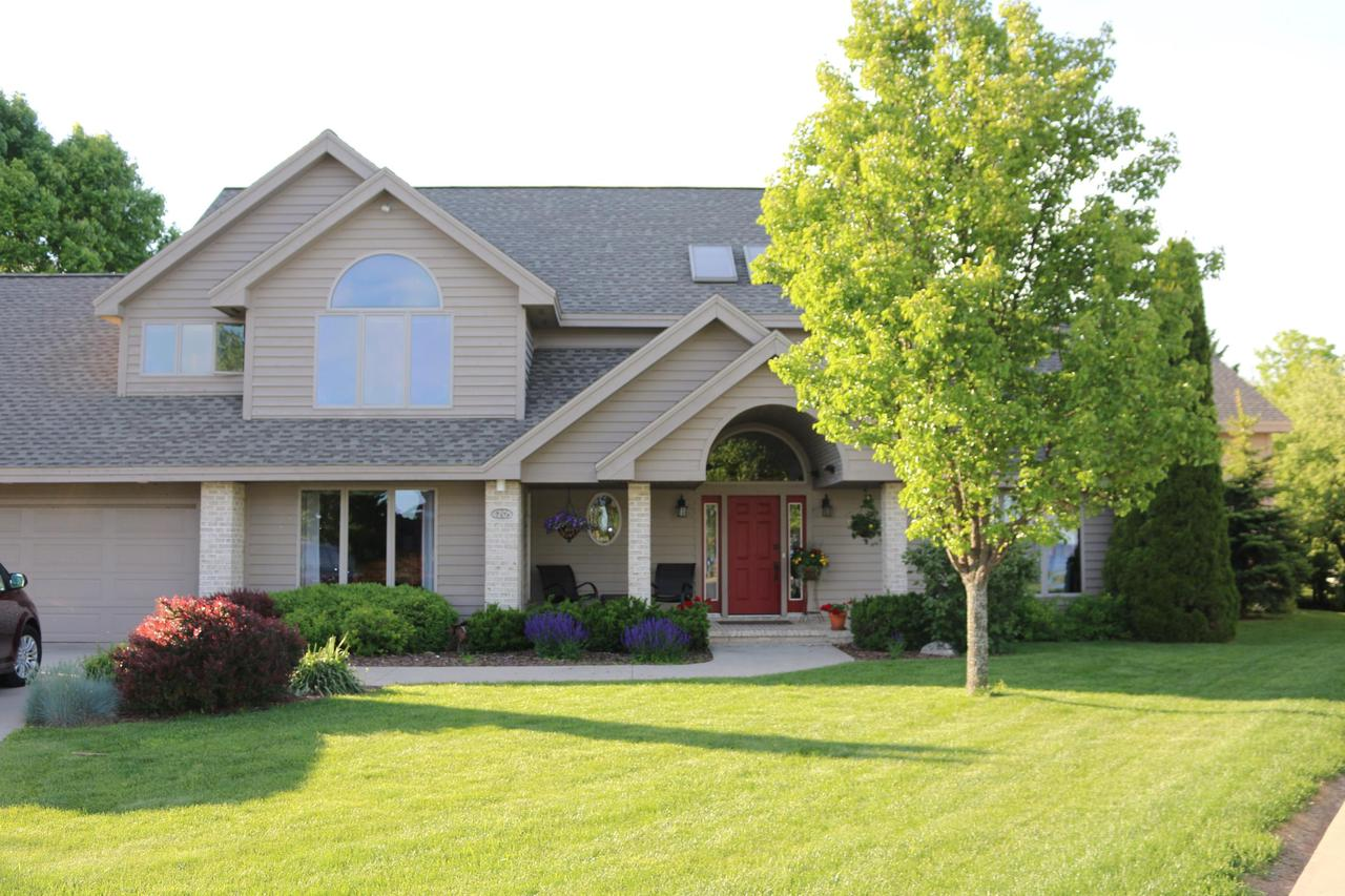 View Single-Family Home For Sale at 4205 Michigan Shores Dr, MENOMINEE, MI