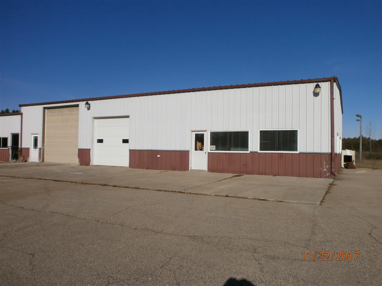 View Commercial For Sale at E6136 HWY 54, New London, WI