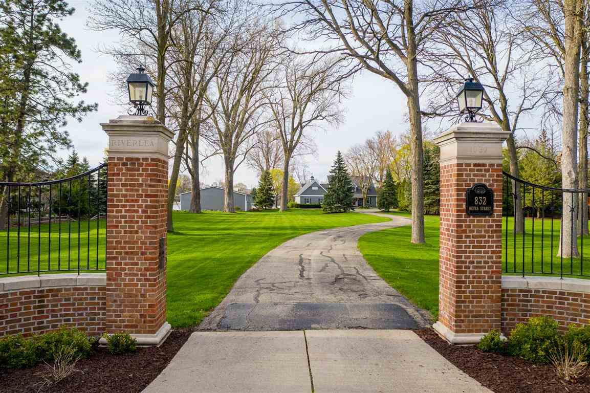 View Single-Family Home For Sale at 832 KEYES STREET, Menasha, WI