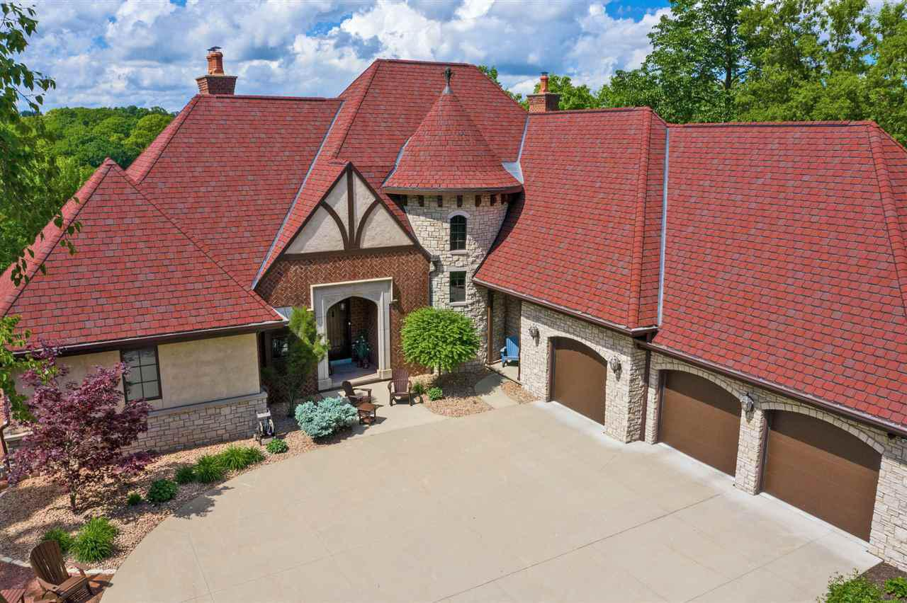 View Single-Family Home For Sale at 1516 PALISADES DRIVE, Appleton, WI