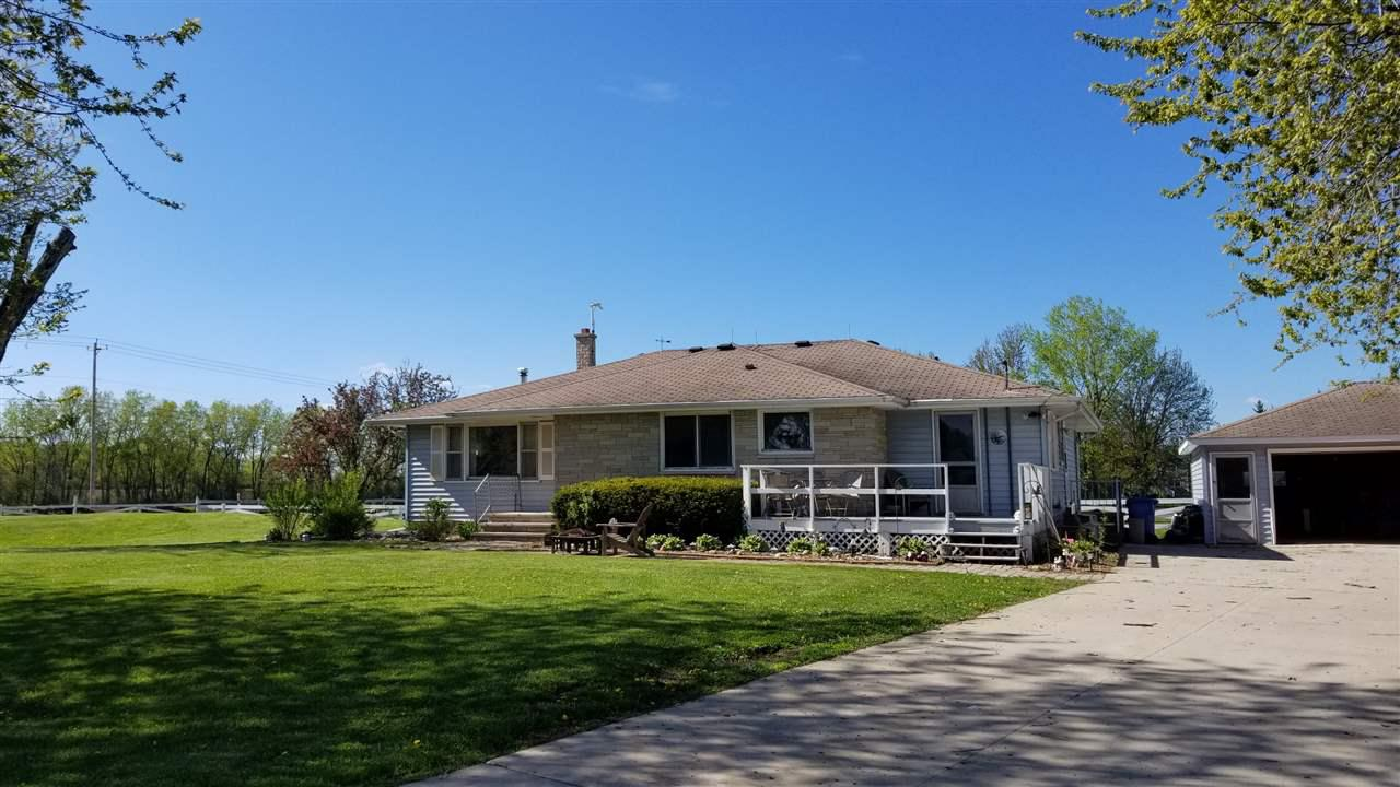 View Single-Family Home For Sale at 6582 HWY 76, Neenah, WI