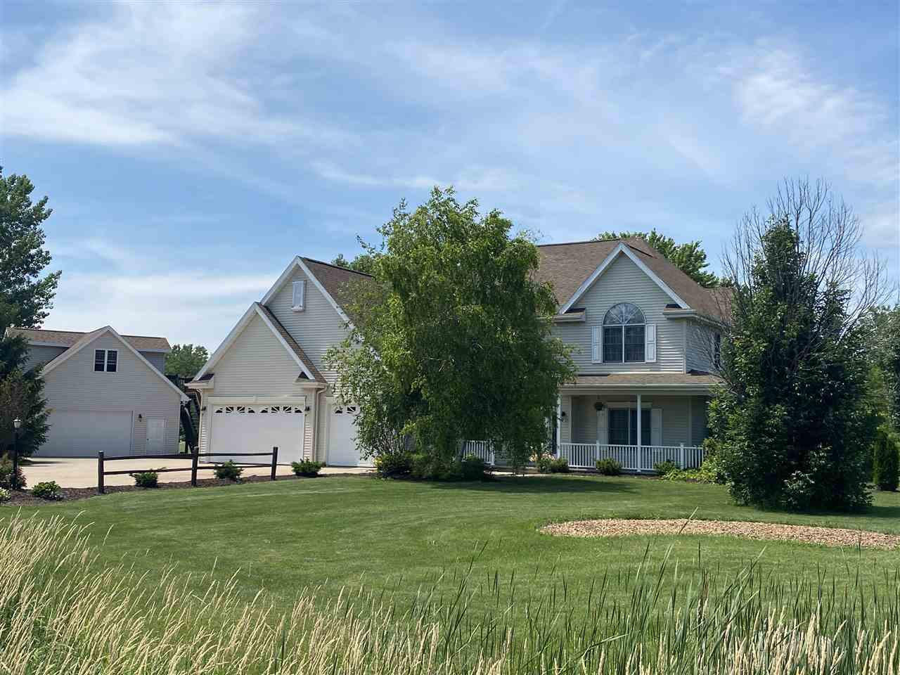 View Single-Family Home For Sale at 3134 SUNDEW WAY, Neenah, WI