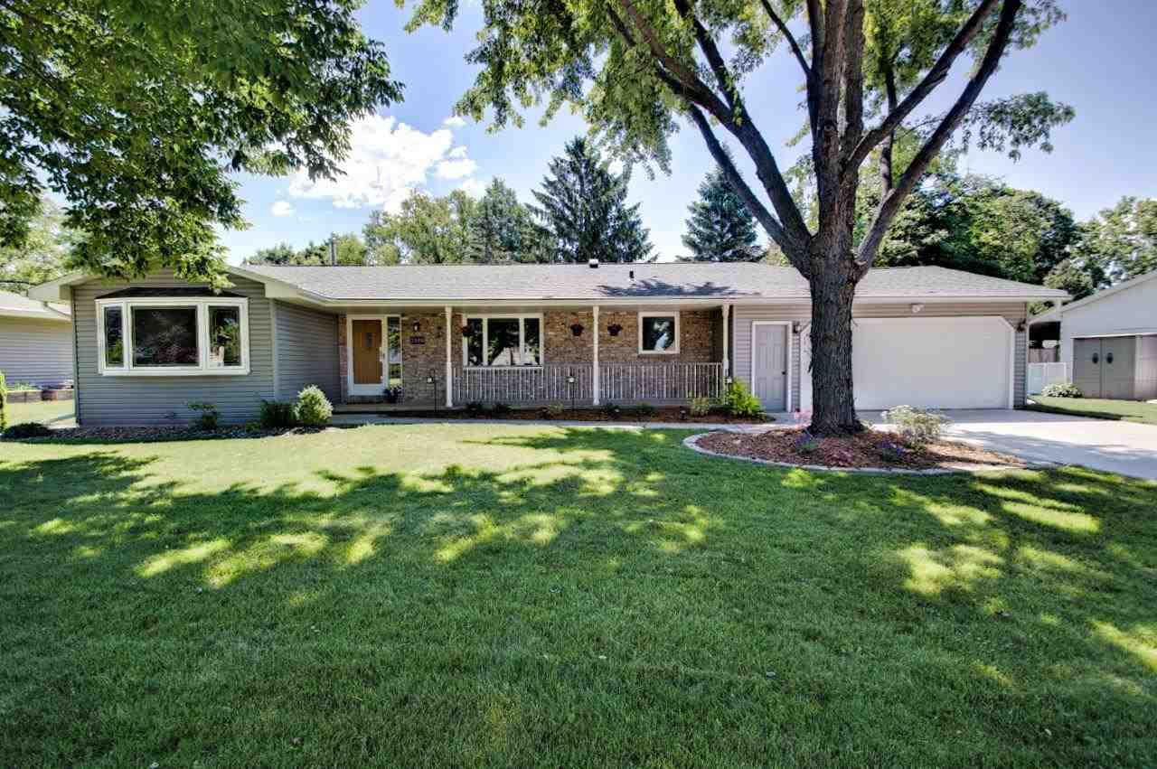View Single-Family Home For Sale at 2400 PALISADES DRIVE, Appleton, WI