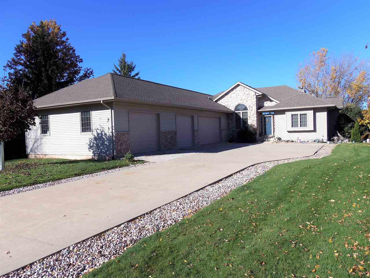 View Single-Family Home For Sale at 844 TWIN HARBOR DRIVE, Winneconne, WI