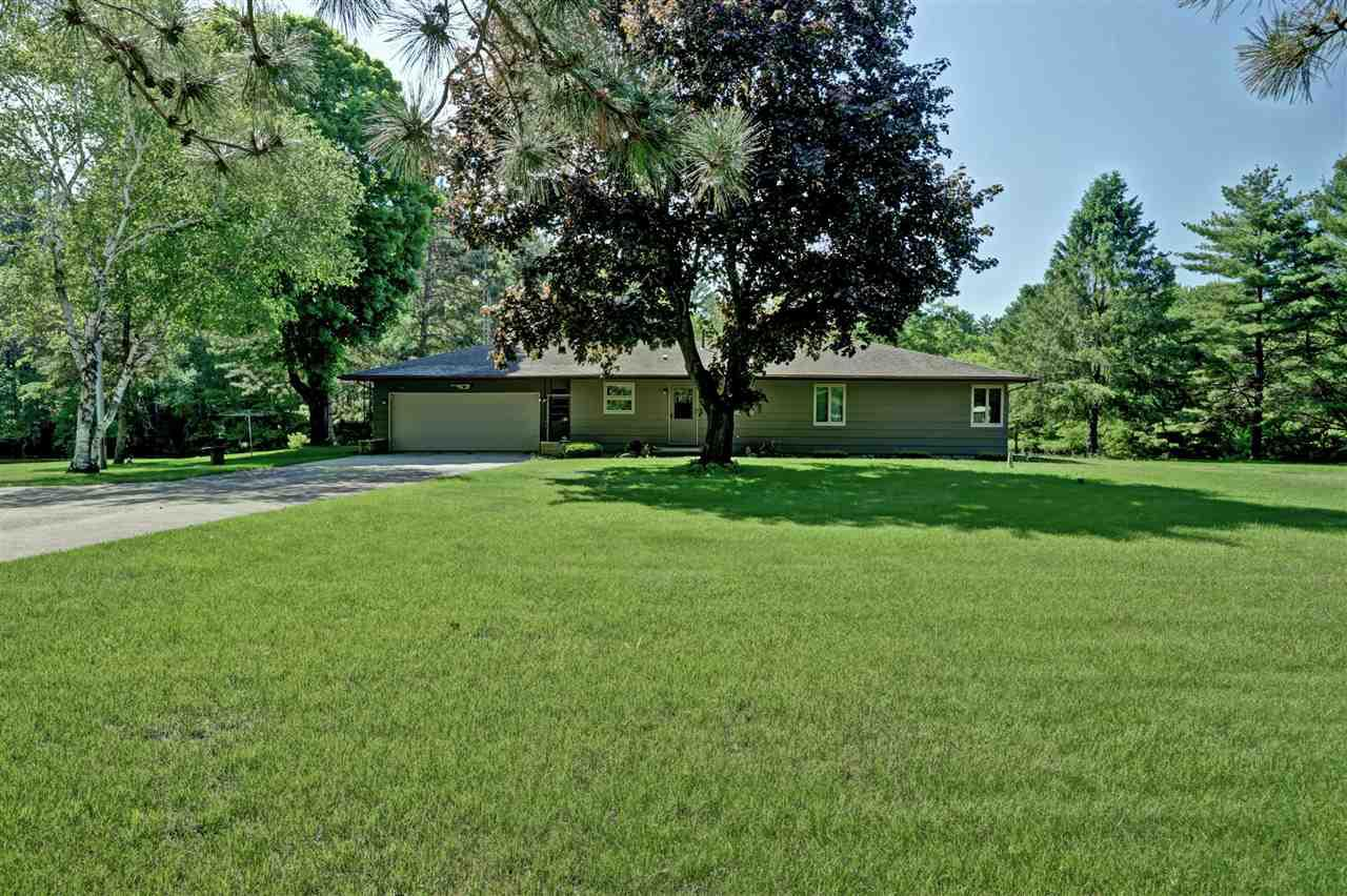 View Single-Family Home For Sale at E6475 HEINKE DRIVE, New London, WI