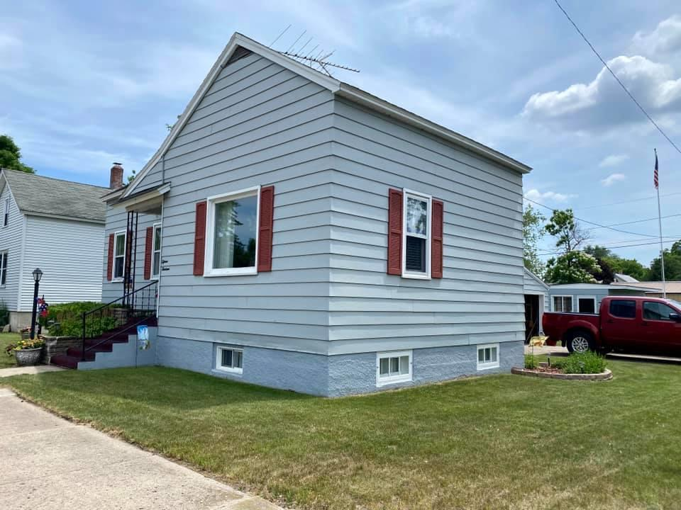 View Single-Family Home For Sale at 1513 26th Ave, MENOMINEE, MI