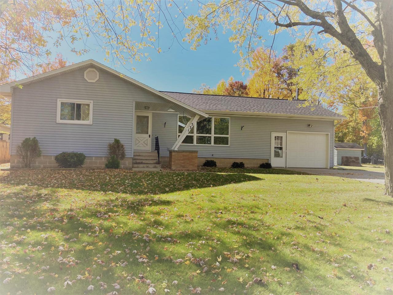 View Single-Family Home For Sale at 531 McGraw St, Peshtigo, WI