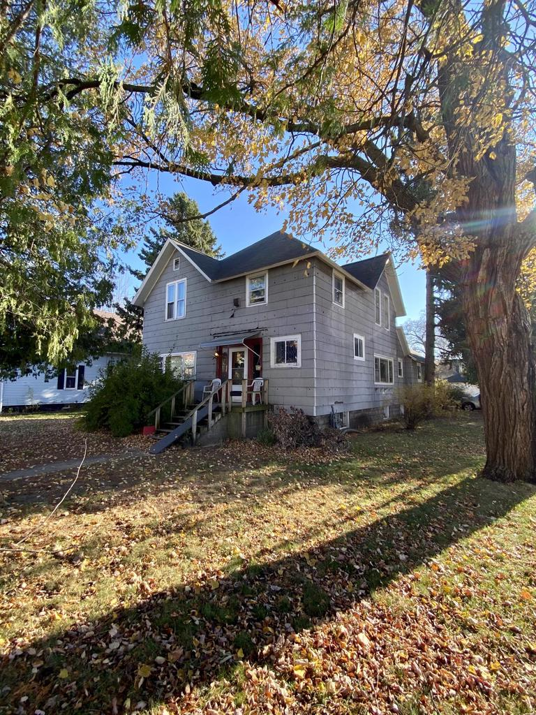 View Single-Family Home For Sale at 1231 Garfield Ave, Marinette, WI