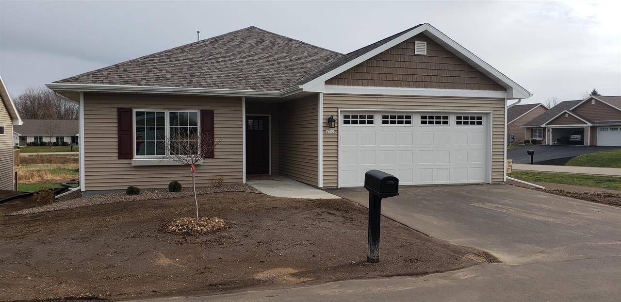 View Condo For Sale at 4372 AUTUMN HILLS DRIVE, Oshkosh, WI