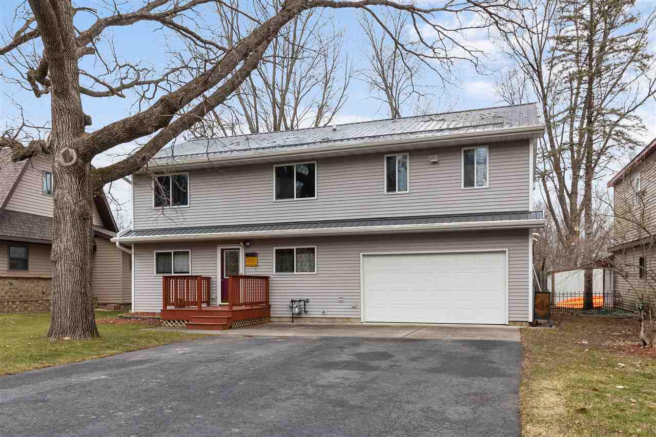 View Single-Family Home For Sale at 70 WOODLANE DRIVE, New London, WI
