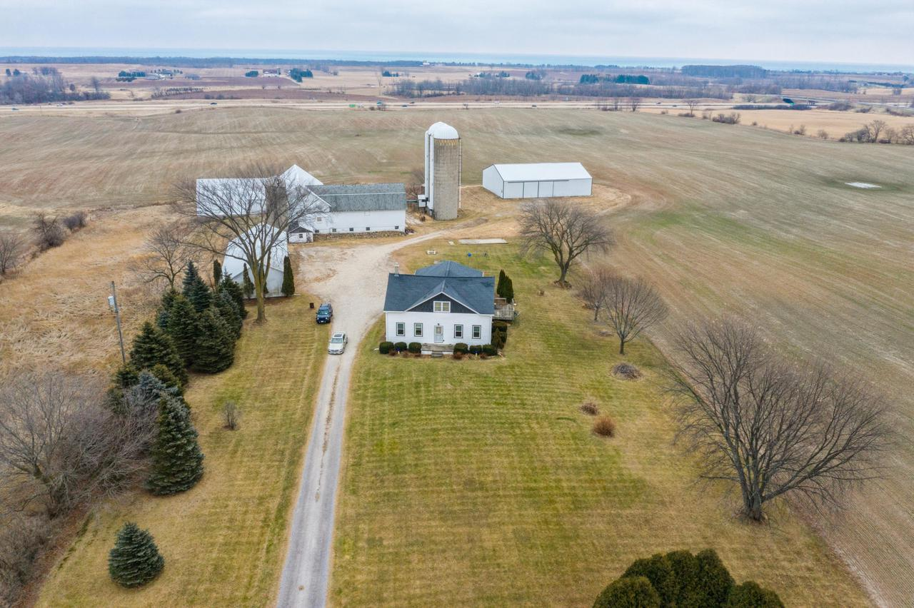 View Single-Family Home For Sale at 582 S Royal Ave, Belgium, WI