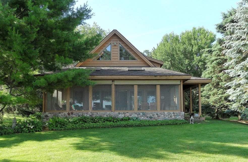 View Single-Family Home For Sale at W3044 Longview Ln, Markesan, WI