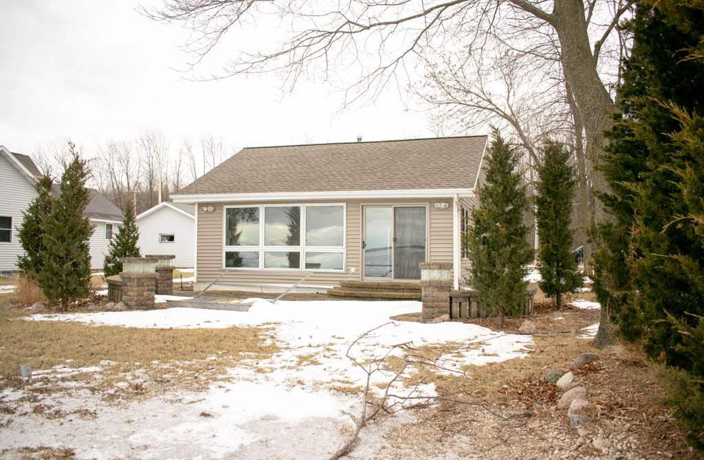 View Single-Family Home For Sale at 4805 EDGEWATER BEACH ROAD, Green Bay, WI