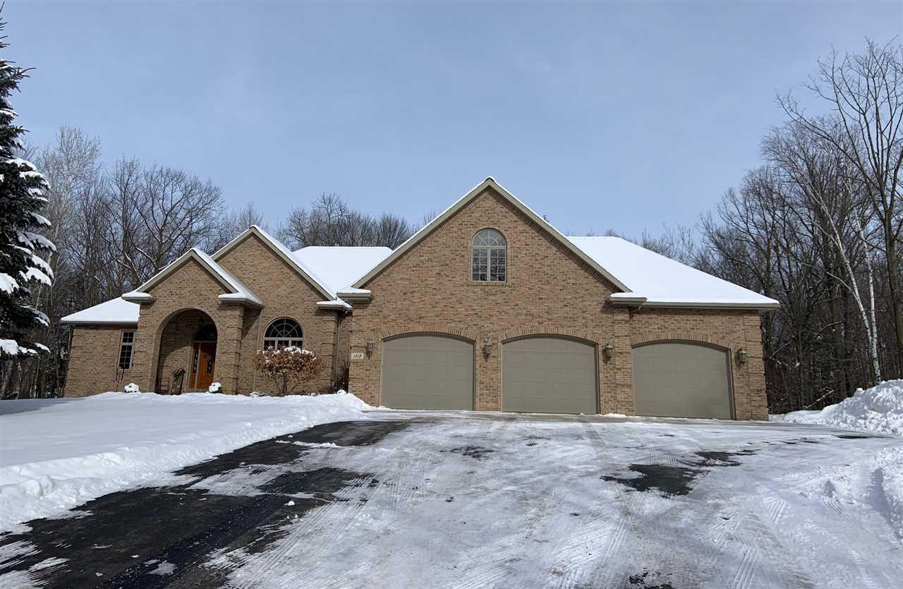 View Single-Family Home For Sale at 1418 W RAVINE COURT, Green Bay, WI