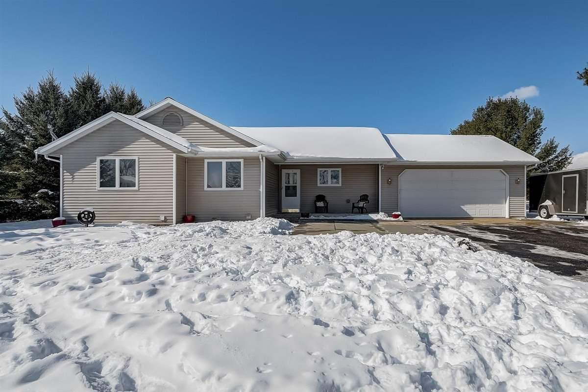 View Single-Family Home For Sale at 114 Cheney Ave, Endeavor, WI