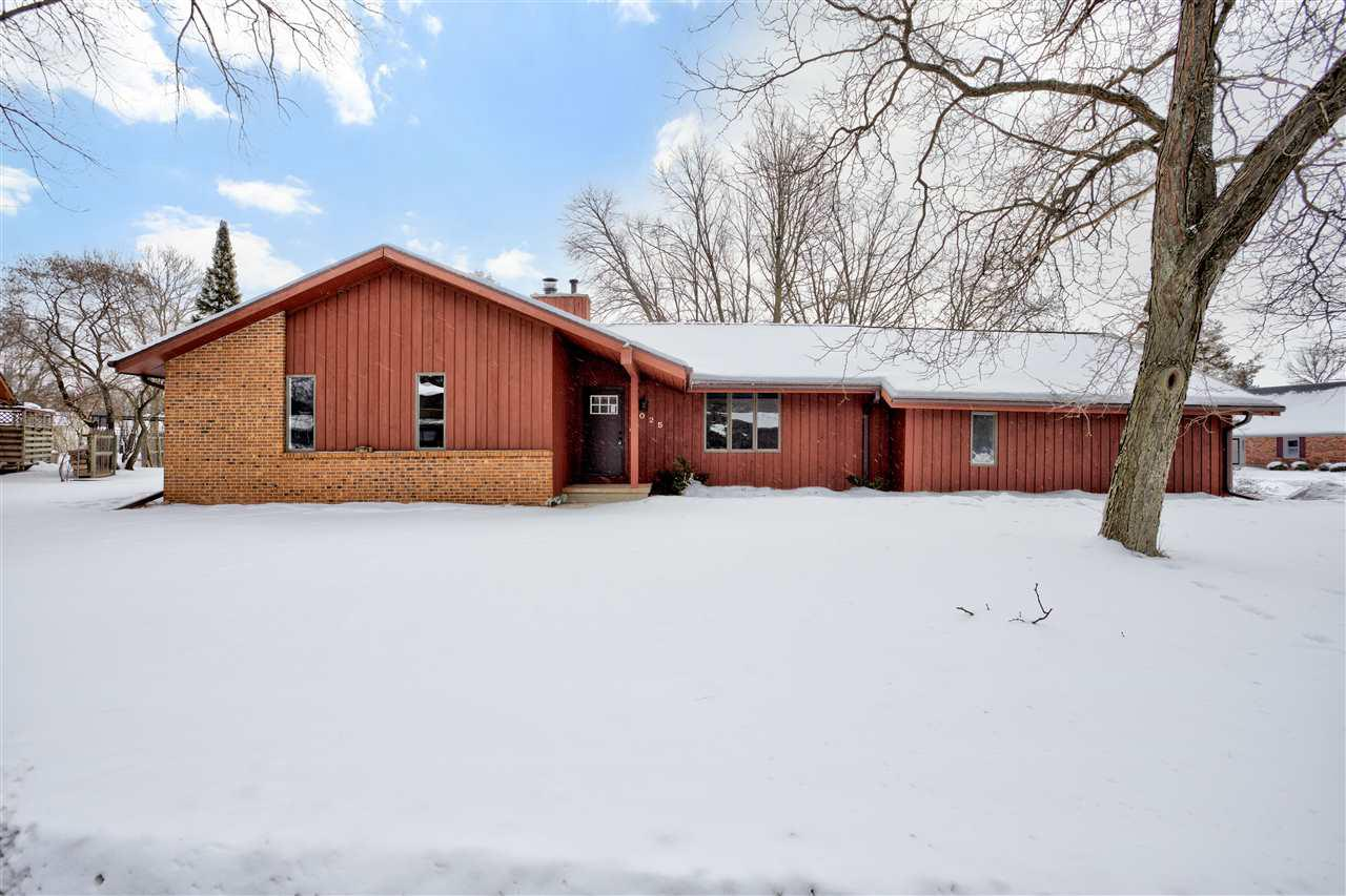 View Single-Family Home For Sale at 1025 GREENDALE COURT, Menasha, WI