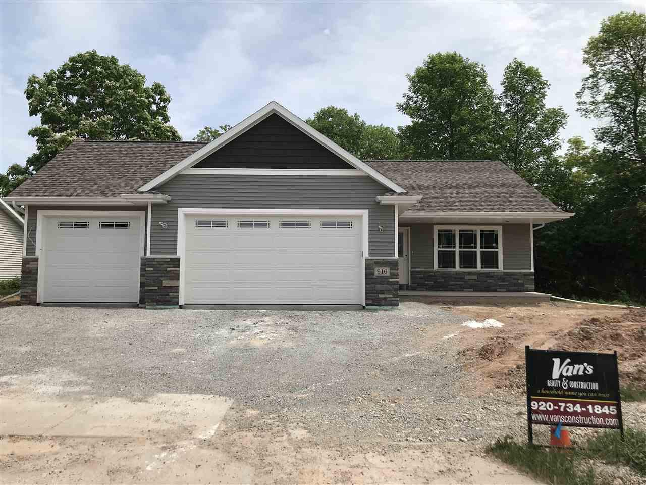 View Single-Family Home For Sale at 1013 GRASSY MEADOW LANE, Menasha, WI
