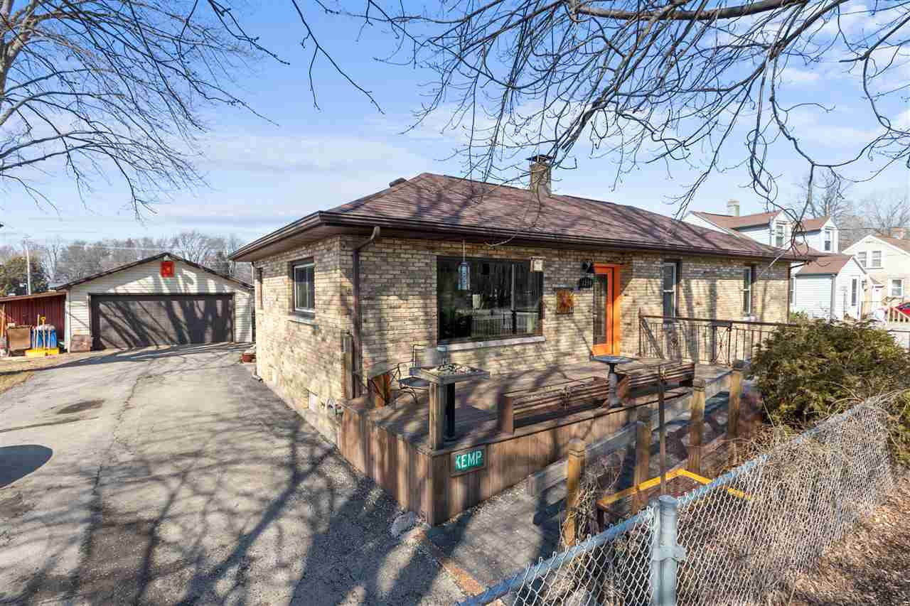 View Single-Family Home For Sale at 1290 PLANK ROAD, Menasha, WI