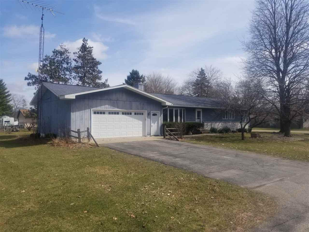 View Single-Family Home For Sale at 626 Bob-O-Link Dr, Westfield, WI