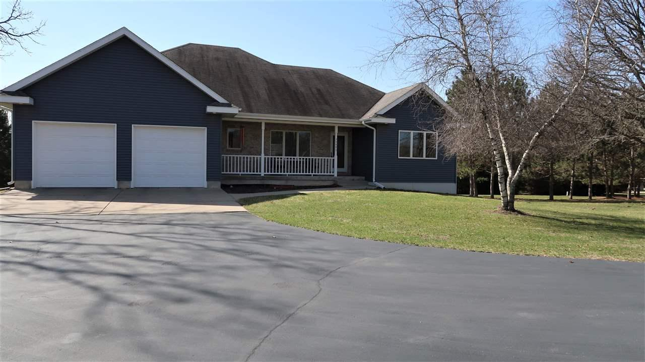 View Single-Family Home For Sale at N7540 Boulder Drive, Portage, WI