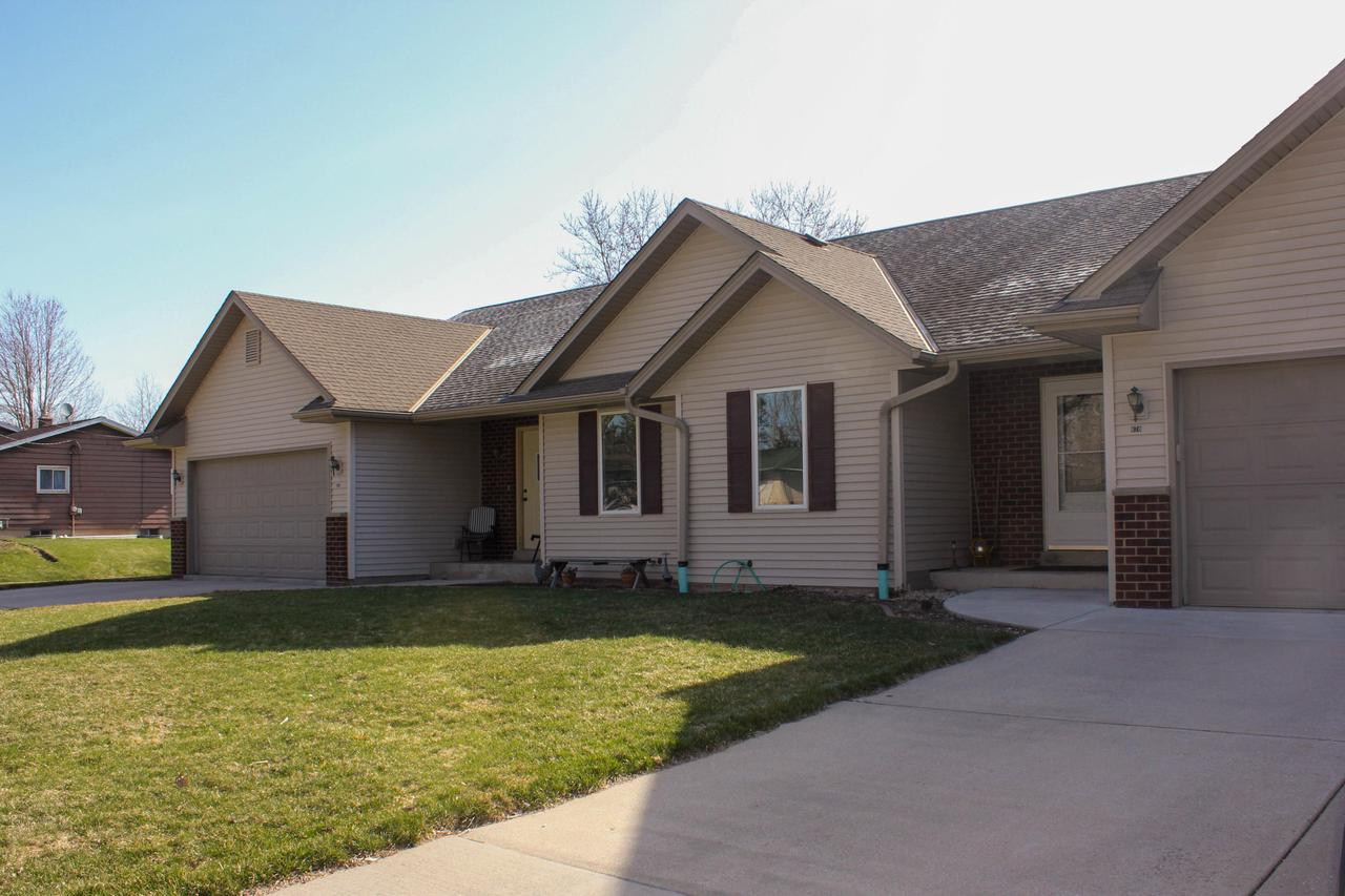 View Condo For Sale at 670 Wisconsin St, Adell, WI