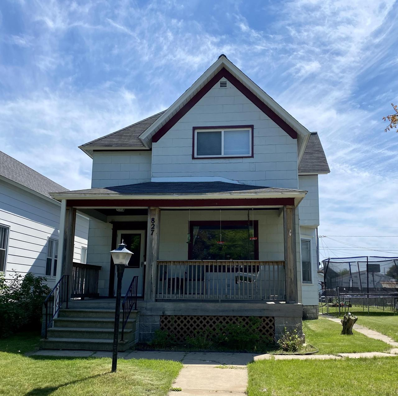 View Single-Family Home For Sale at 827 Carney Blvd, Marinette, WI