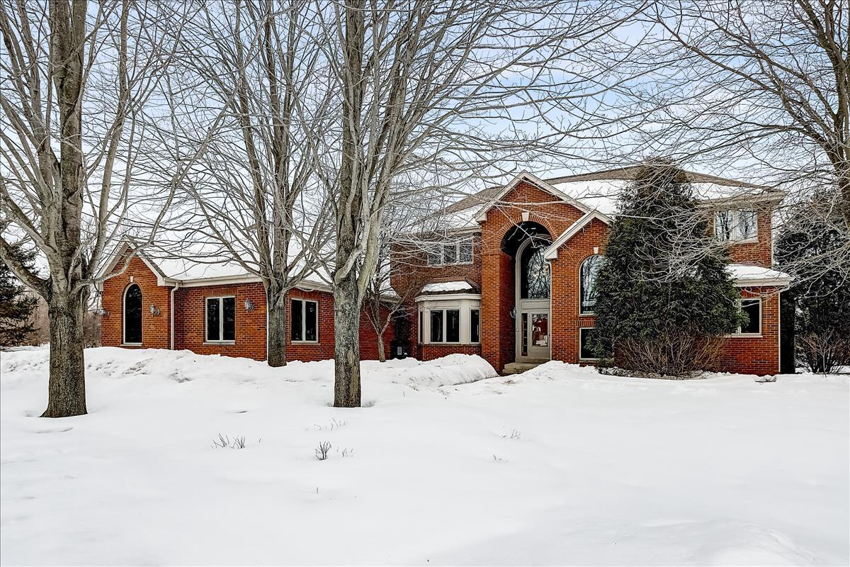 View Single-Family Home For Sale at 10303 Ann Marie Dr, Cedarburg, WI