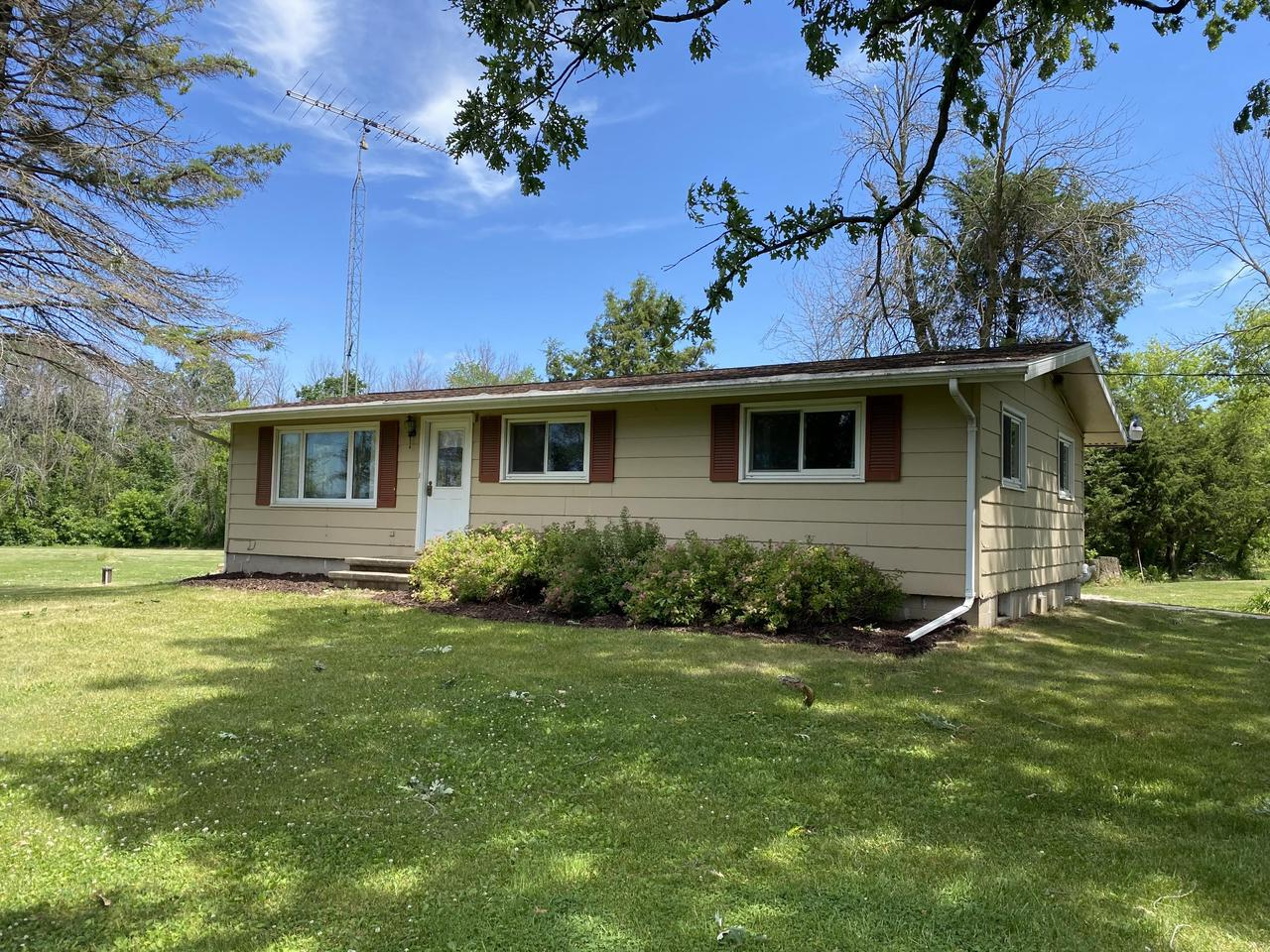 View Single-Family Home For Sale at N4075 River Rd, Oakfield, WI