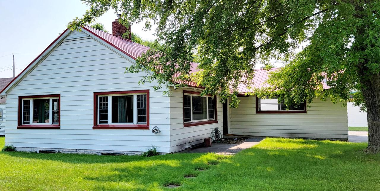 View Single-Family Home For Sale at 908 16th St, MENOMINEE, MI