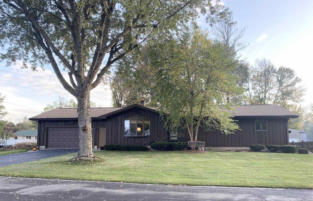 View Single-Family Home For Sale at 3309 PARKDALE DRIVE, Marinette, WI