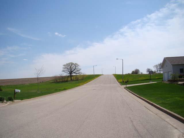 402 Prairie Hills Dr DRIVE, DODGEVILLE, WI 53533
