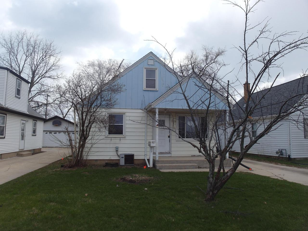 HUD owned and offered ''AS-IS'' without repairs or warranties. This is a single family house with lots of potential and located in a great area. Unit is winterized. Buyer to be responsible for all code compliance, closing costs, DNS charges and special assessments.