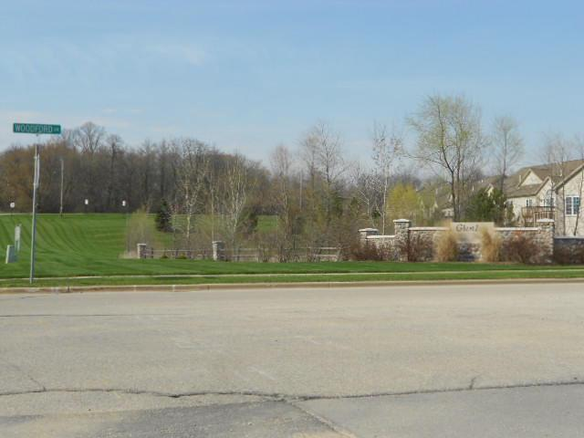 Lt32 Lower Woodford Cir CIRCLE, WEST BEND, WI 53095