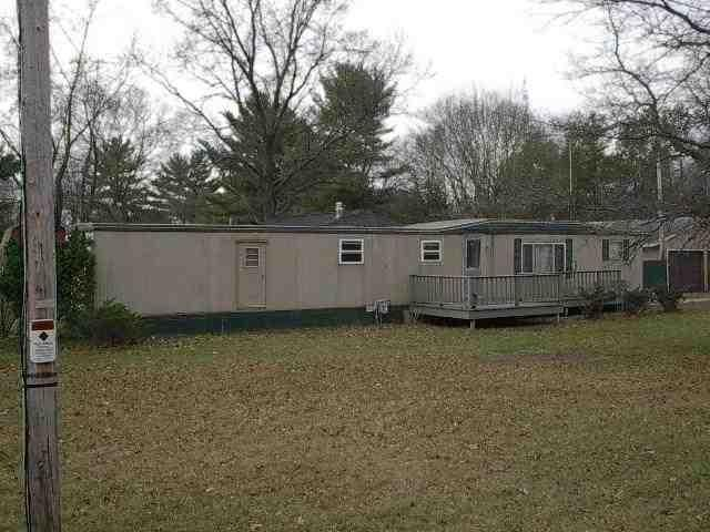 Spacious 3 bedroom 2 bath mobile home located in Grand Rapids. This property has    large living room and kitchen with master bedroom with master bath. Property also features almost half an acre with one stall garage and additional storage shed.  All buyers must supply a letter of loan pre-qualification to view this property.