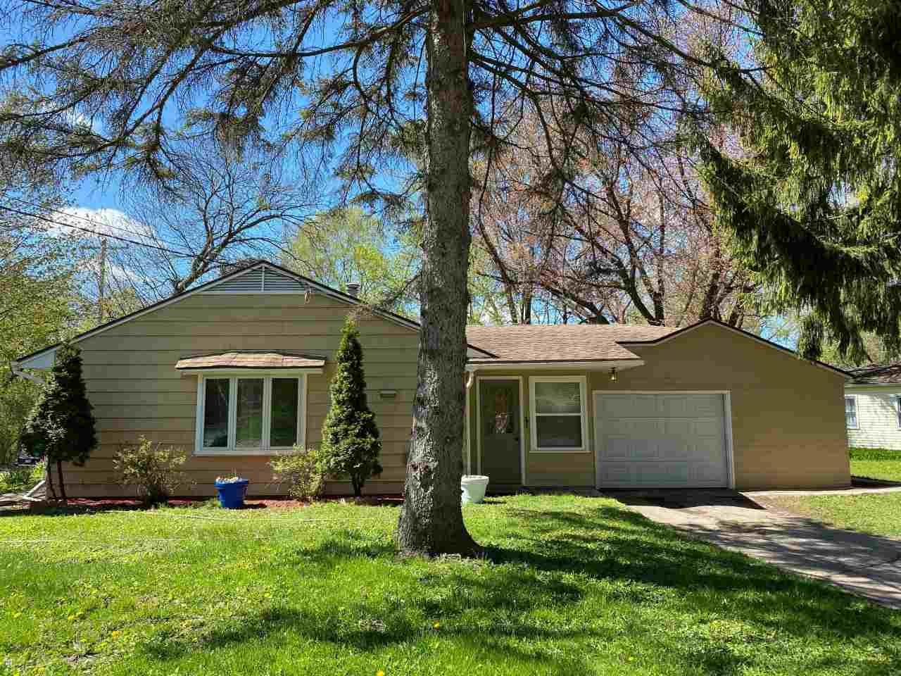 2002 Seminole Hwy HIGHWAY, MADISON, WI 53711