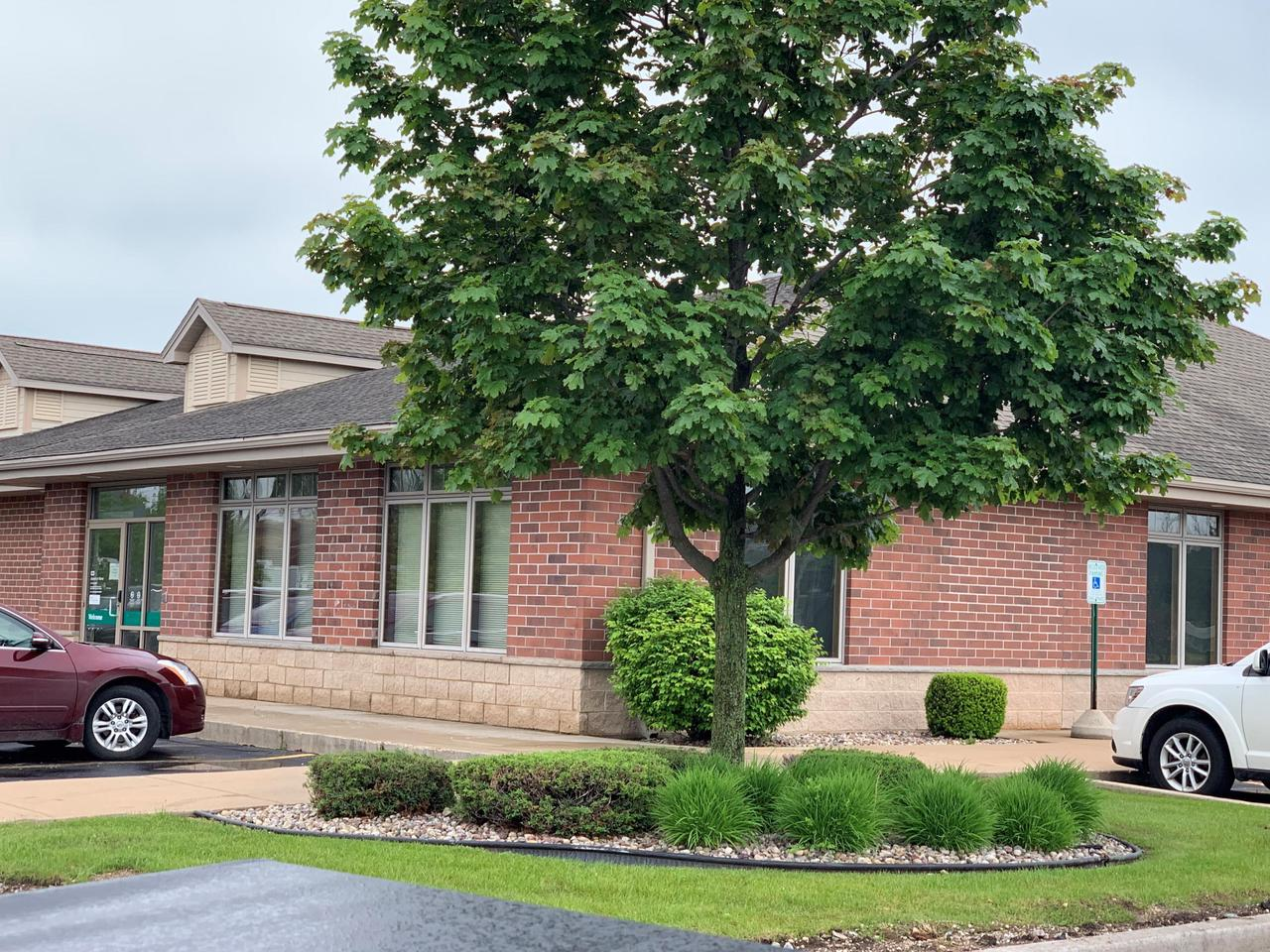 Prime location of almost 4200 sq ft of former Medical office space that was occupied by Aurora. Perfect opportunity for professional or medical groups.