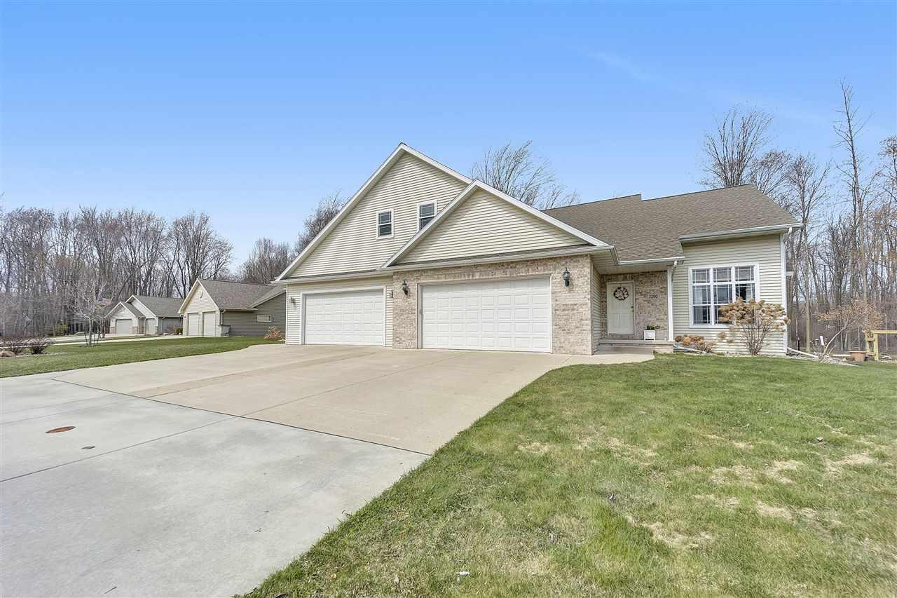 2290 SOUTHERN CROSS ROAD ROAD, HOWARD, WI 54313