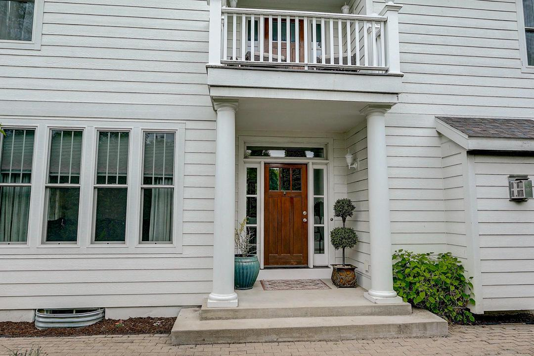 118 S Ferry Dr DRIVE, LAKE MILLS, WI 53551