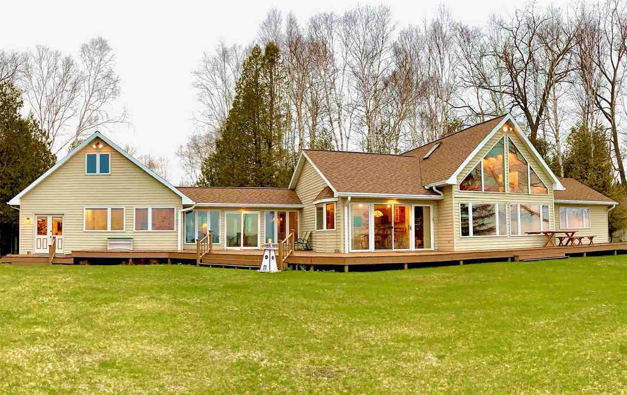 1696 HELMHOLZ ROAD ROAD, CLAY BANKS, WI 54235