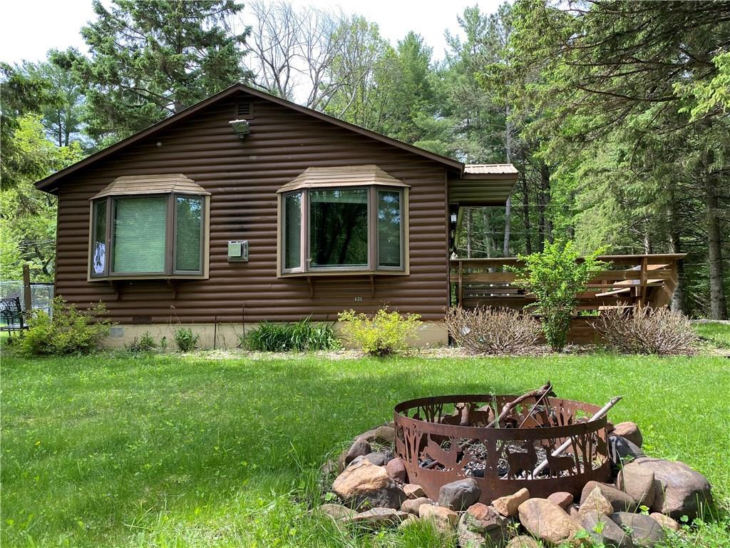 Picturesque cabin along the shores of the Chippewa River.  East facing windows and large riverside deck allow for magnificent views of the meandering river.  Throw a line from the shoreline and catch Panfish, Bass, Walleye, or even an occasional Sturgeon.  Guests can bring their RV and hookup to their own electrical supply.  Would make a great rental property.