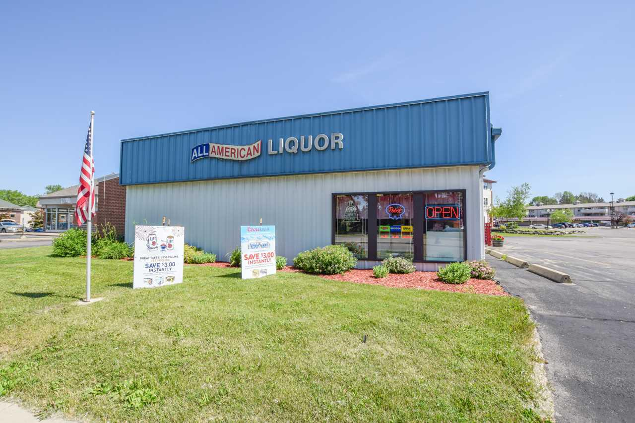 Dreaming about your next investment opportunity?  The wait is over.  Invest into a longtime business of a liquor store for over 30+ yrs or make the building into the next Hardware store!  Building could be turned into 2 business with the square footage and layout!  The possibilities and potential are endless!