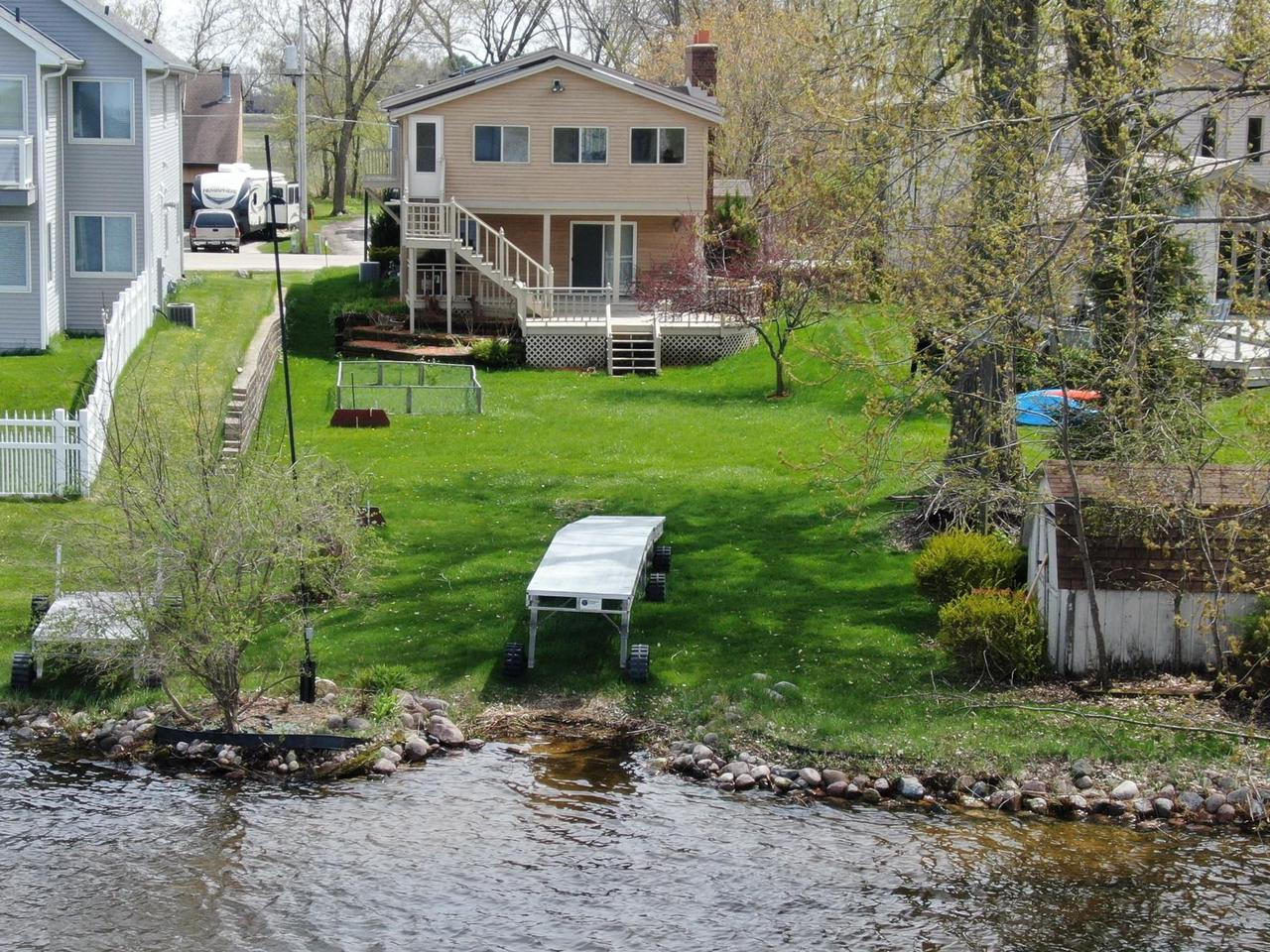7416 E Wind Lake Rd ROAD, NORWAY, WI 53185