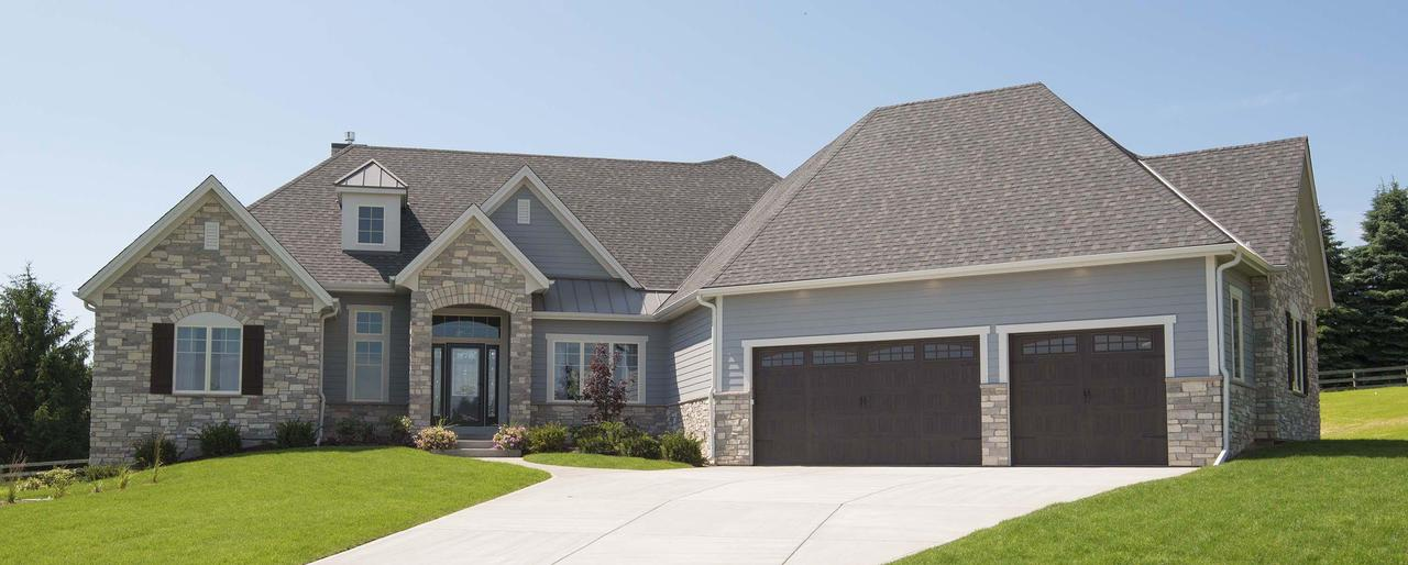2205 W Ranch Rd ROAD, MEQUON, WI 53092