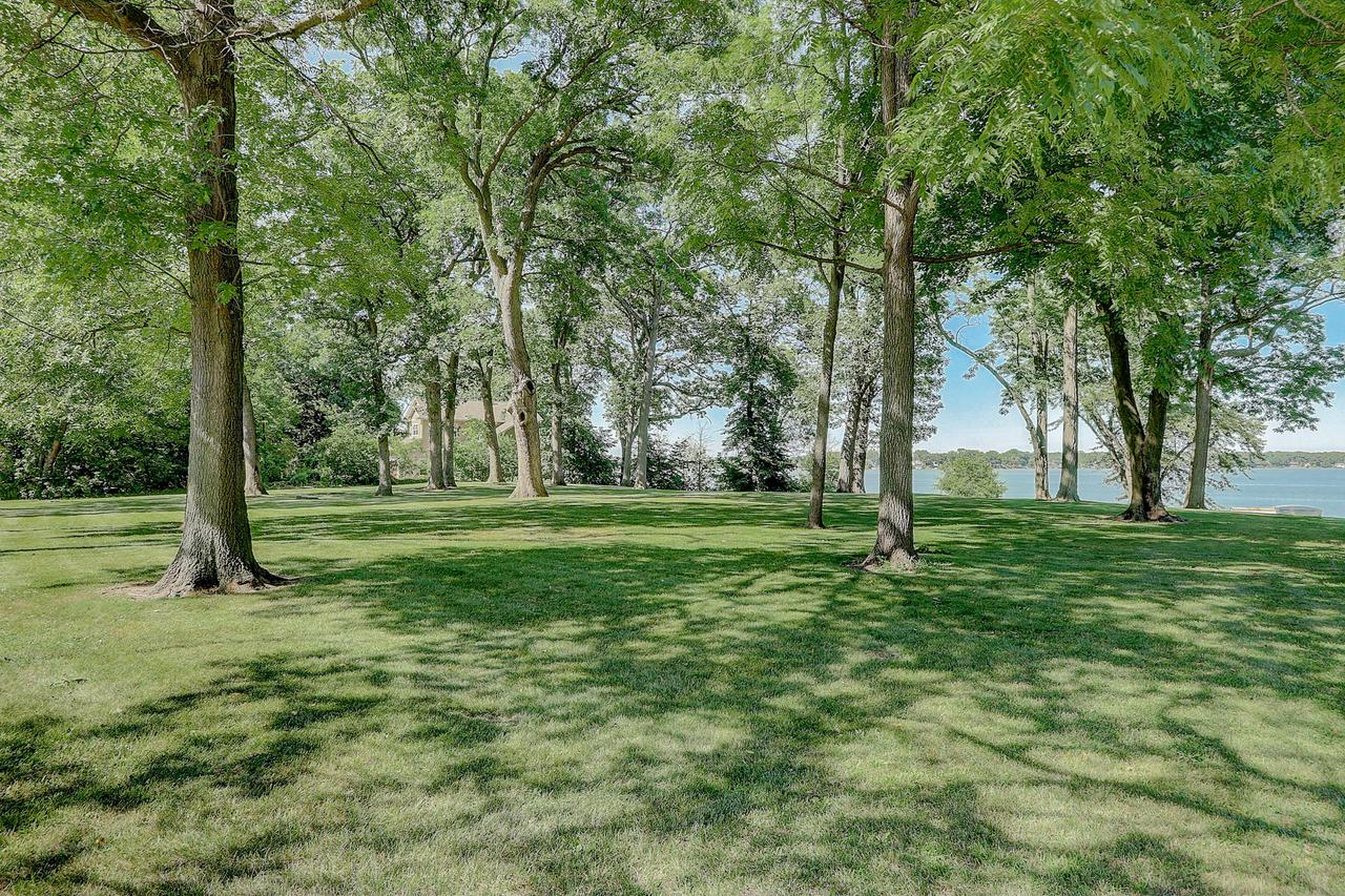 2615 Lakeshore Dr DRIVE, DOVER, WI 53139