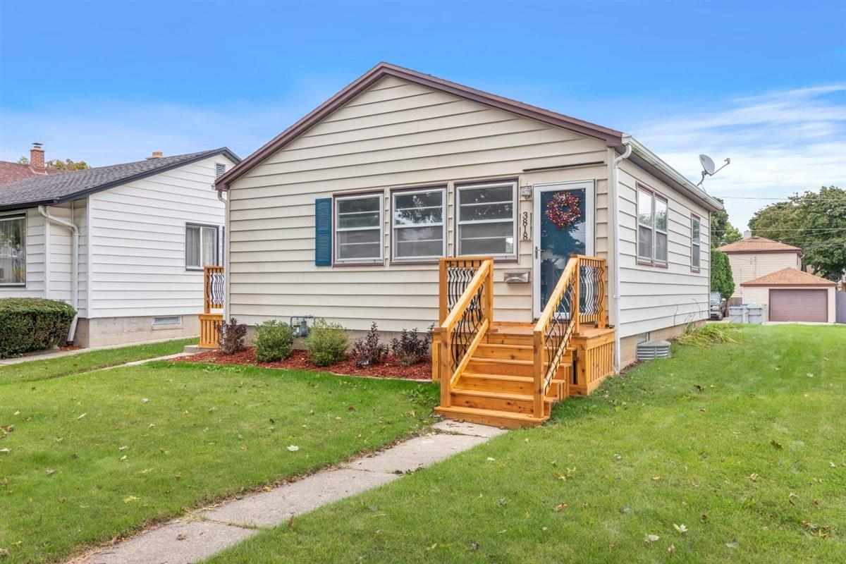 3818 S 17th St STREET, MILWAUKEE, WI 53221
