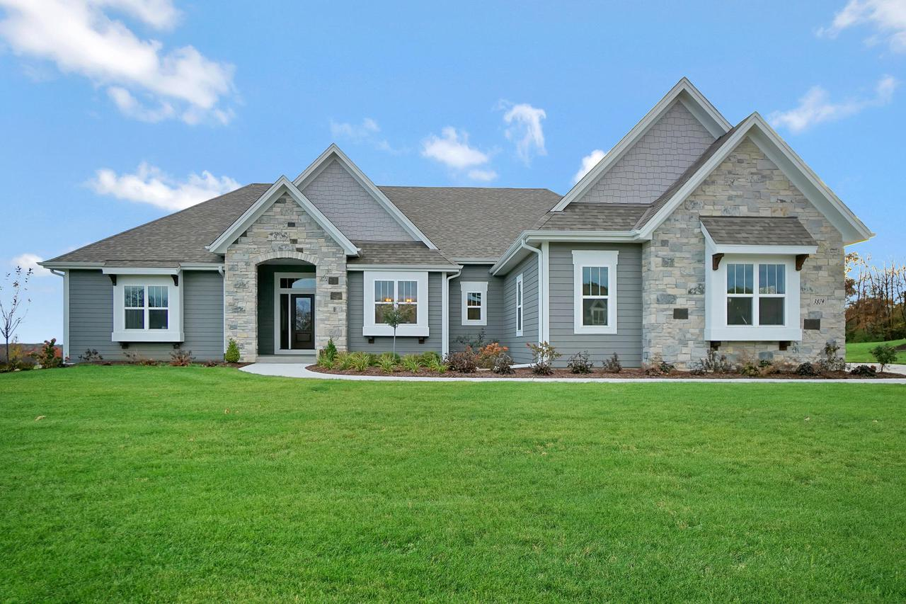 3879 Hickory Hill Pkwy W, RICHFIELD, WI 53033
