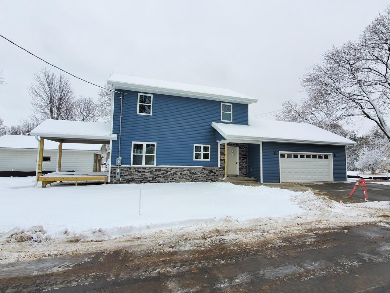 NOT YOUR TYPICAL ''COOKIE CUTTER'' STYLE OR MASS PRODUCED HOME! THIS CUSTOM DESIGNED HOME OFFERS 2X6 WALLS, OVER 2400 SQ FT OF LIVING SPACE,4-5 BDRMS, 3 1/2 BATHS,CHERRY AND MAPLE CABINETS,WHITE TRIM PCKG,OVERSIZED GARAGE, COVERED DECK,MFLR LAUNDRY, 9' CEILINGS,10 ' HIGH GARAGE,ALL SS KTCHN APPLIANCES+MORE! A RARE OPPORTUNITY TO OWN THE NEWEST HOME IN ONE OF WATERTOWNS MOST NOTABLE NEIGHBORHOODS AND NO SUBDIVISION RESTICTIONS...JUST STEPS FROM THE ROCK RIVER,THE AQUATIC CENTER,CHAMBERLAND,SOFTBALL AND BASEBALL DIAMONDS,VOLLEYBALL COURTS,MIDDLE SCHOOL,DOUGLAS ELEMENTARY,TENNIS COURTS AND ENJOY SOME OF THE BEST PARKING FOR WATERTOWNS FAMOUS RIVERFEST + FIREWORKS TOO! IT'S ALSO SITUATED ON NEARLY 1/3 ACRE ON A DEAD END ST! CALL TO TOUR AND YOU CAN PLAY A ROLE IN COLOR CHOICES YET TOO!