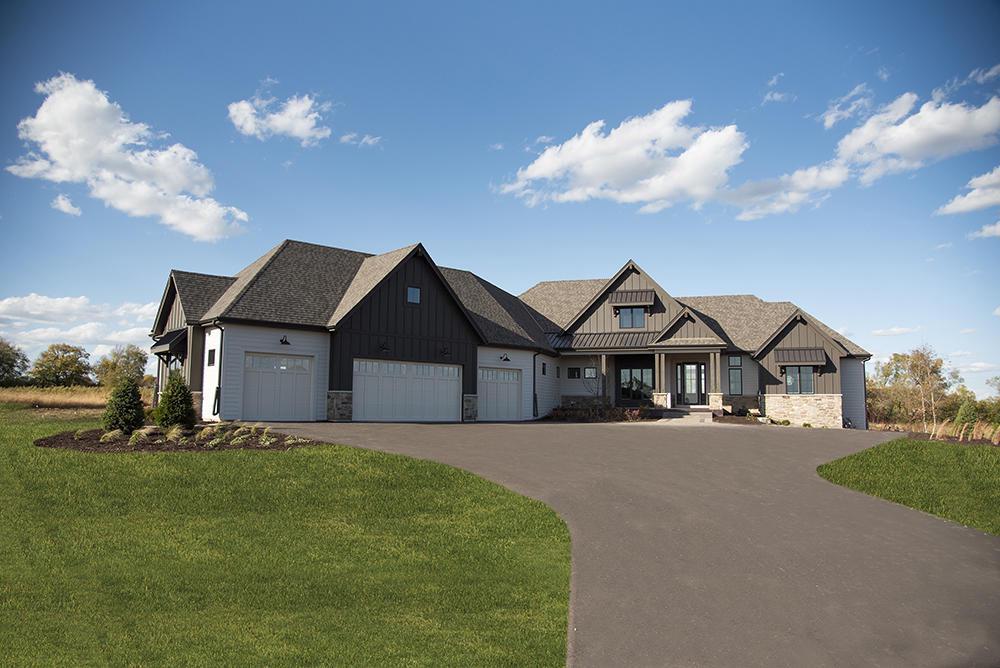 10122 W Farmdale Estates Ct COURT, MEQUON, WI 53097