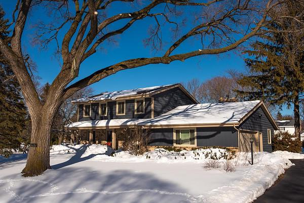 1 Pinewood Ct COURT, WIND POINT, WI 53402